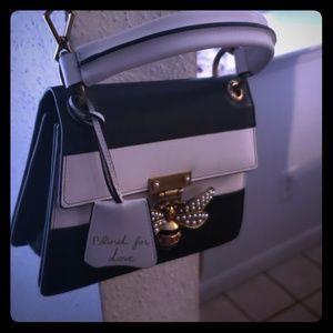 Small Gucci queen bag